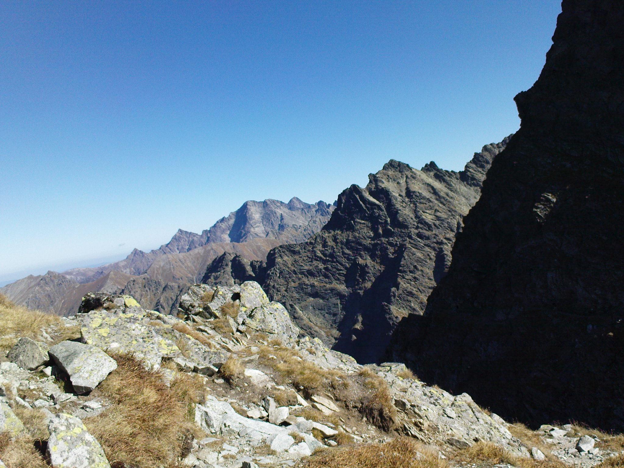 Widok z Przełęczy Mięguszowieckiej pod Chłopkiem